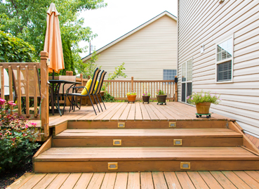Steps leading up to a wooden Deck in Peoria IL